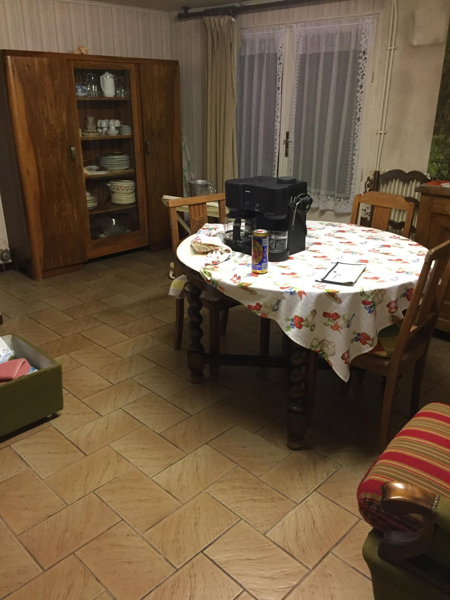 MAISON AVEC APPARTEMENT, DEUX HABITATIONS POSSIBLES