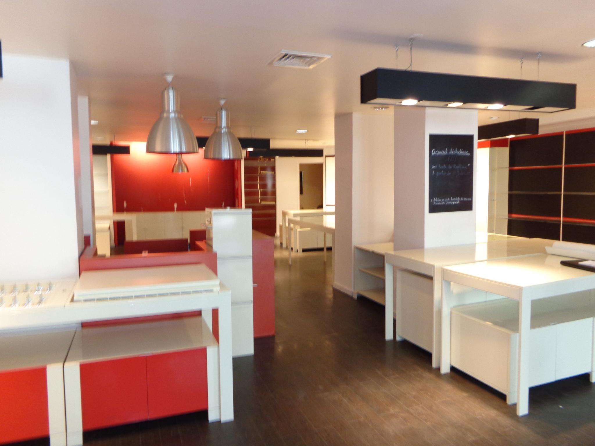 Bel emplacement commercial hyper centre sur 236 m2 de surface totale