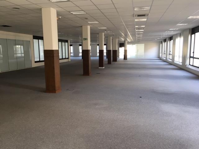plateaux de bureaux sur 1212 m2 avec prestations de qualités , hyper centre dans bel immeuble Haussmannien